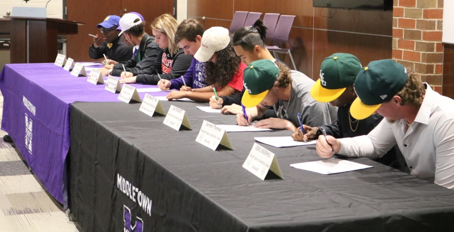 Ten Middletown High School Athletes Sign Letters of Intent